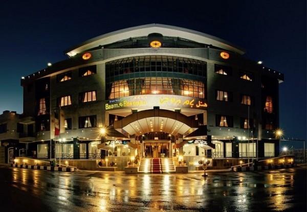 هتل بزرگ بام