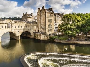 با سفرآقا به باث انگلستان سفر کنید